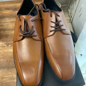 Brand new men's dress shoes